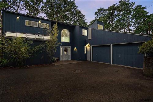 Photo of 1360 NW Forest Dr, Corvallis, OR 97330-1704 (MLS # 777789)