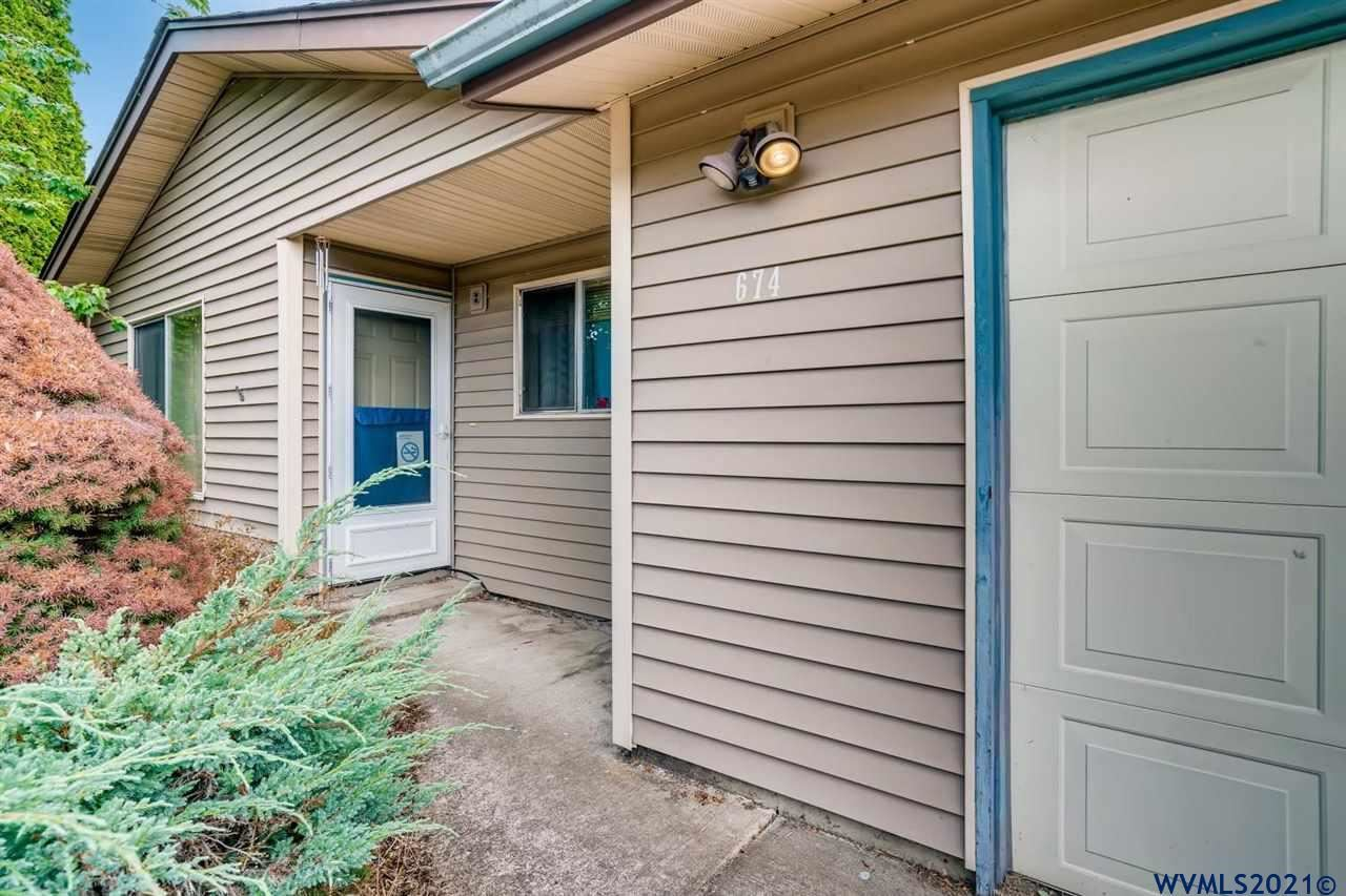 Photo of 674 SW Natalie St, Dallas, OR 79338 (MLS # 782799)