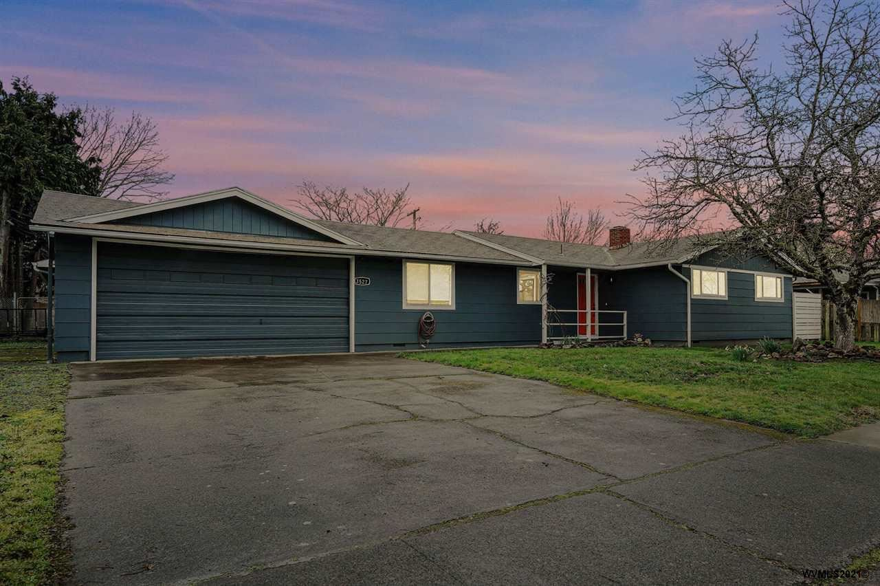 Photo for 3527 Oak St, Albany, OR 97322-6141 (MLS # 773964)