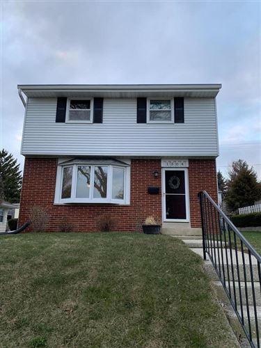 Photo of 1304 Menomonee Ave, South Milwaukee, WI 53172 (MLS # 1733001)