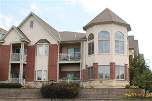 Photo of 17490 Crest Hill  Dr #16, Brookfield, WI 53045 (MLS # 1649002)