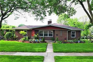 Photo of 511 Elm Ave, South Milwaukee, WI 53172 (MLS # 1664003)
