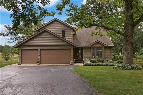 Photo of N6316 Oak Ct, Elkhorn, WI 53121 (MLS # 1754003)