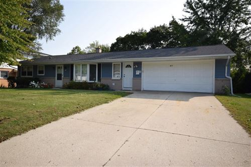 Photo of 911 N 18th Ave, West Bend, WI 53090 (MLS # 1711005)