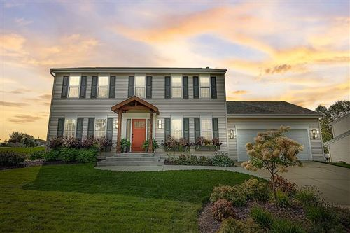 Photo of 905 Steeplechase Dr, Watertown, WI 53094 (MLS # 1893007)