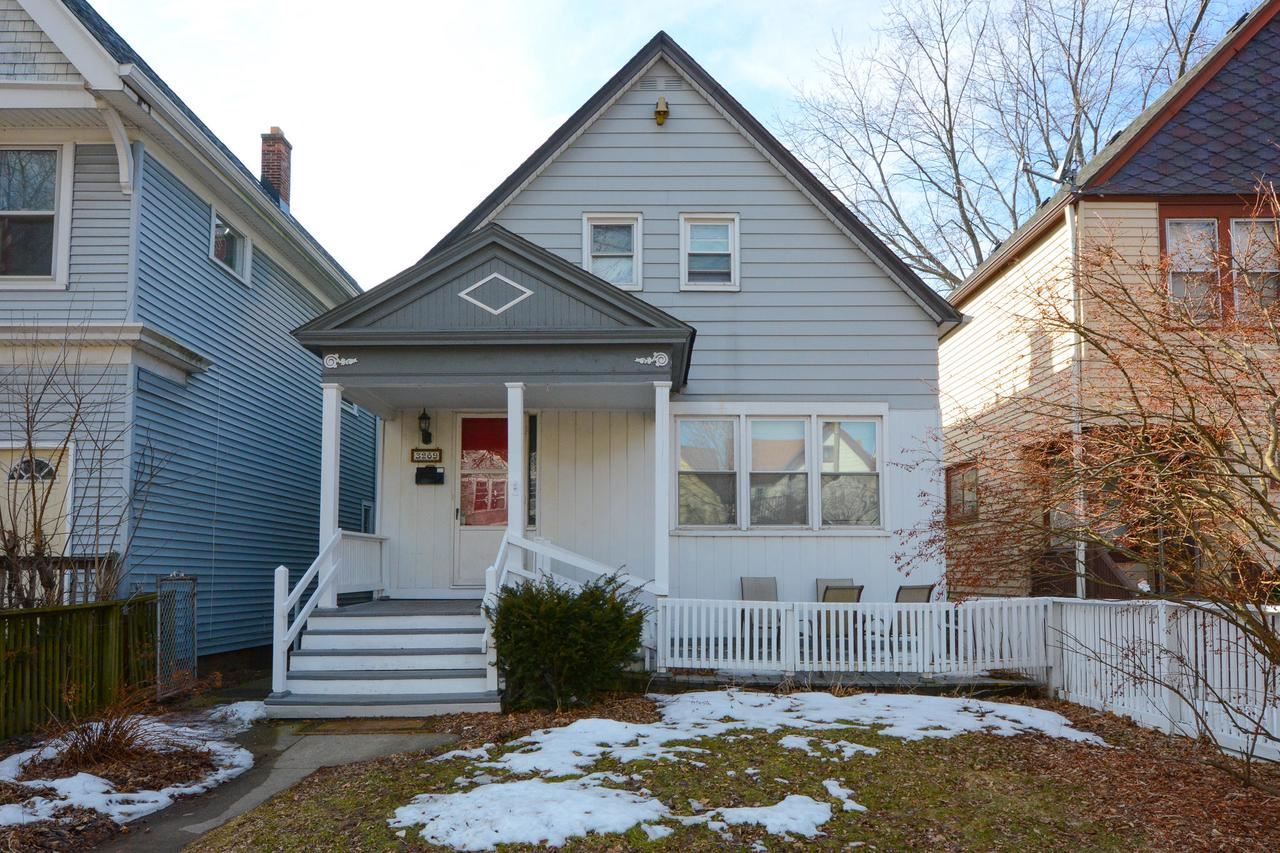 3269 N Bartlett Ave, Milwaukee, WI 53211 - MLS#: 1680009