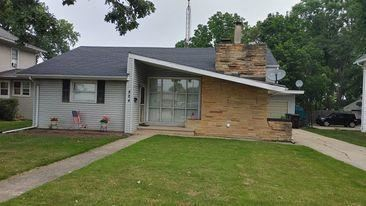 Photo of 824 15th Ave, Union Grove, WI 53182 (MLS # 1754011)