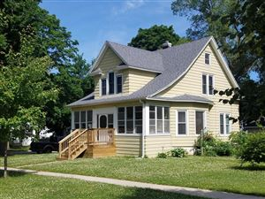 Photo of 614 Barrie St, Fort Atkinson, WI 53538 (MLS # 1647016)