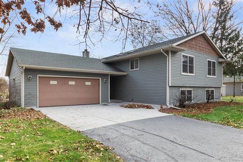 Photo of 1135 Oakwood Ln, Elkhorn, WI 53121 (MLS # 1719017)