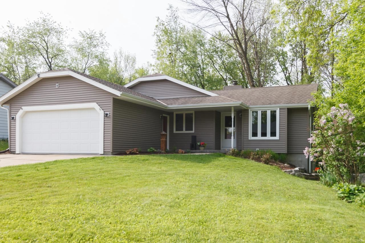 297 Willow Dr, Hartland, WI 53029 - MLS#: 1691017