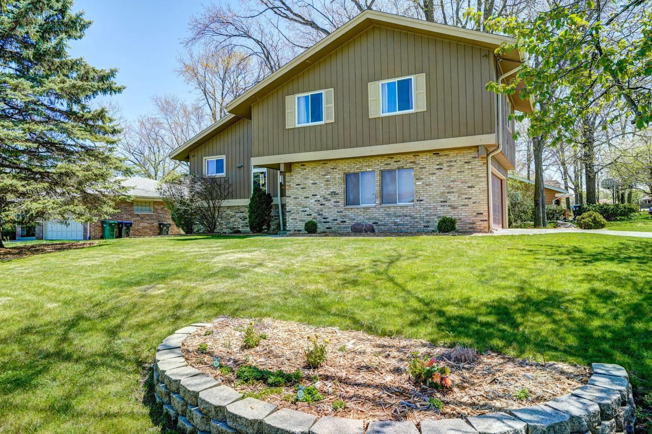 12780 W Hickory Rd, New Berlin, WI 53151 - MLS#: 1690018