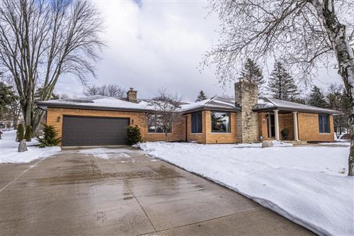 Photo of 18250 Beverly Hills Dr, Brookfield, WI 53045 (MLS # 1729019)