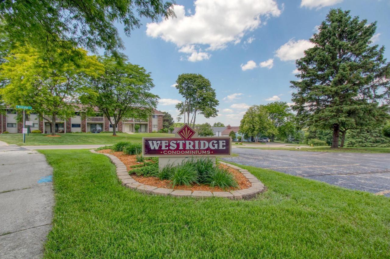 637 Westridge DR #6, West Bend, WI 53095 - MLS#: 1696023