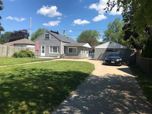 Photo of 1710 Chestnut St, South Milwaukee, WI 53172 (MLS # 1696024)