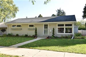 Photo of W56N780 Hawthorne Ave, Cedarburg, WI 53012 (MLS # 1663025)