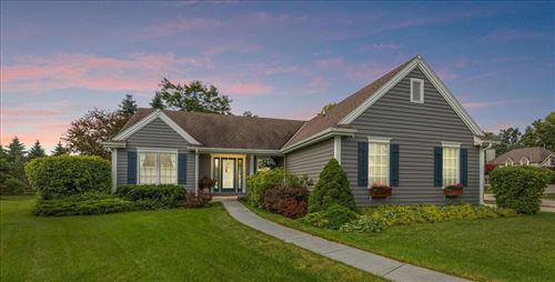 Photo of W210N16500 Woodshire Ct, Jackson, WI 53037 (MLS # 1752025)