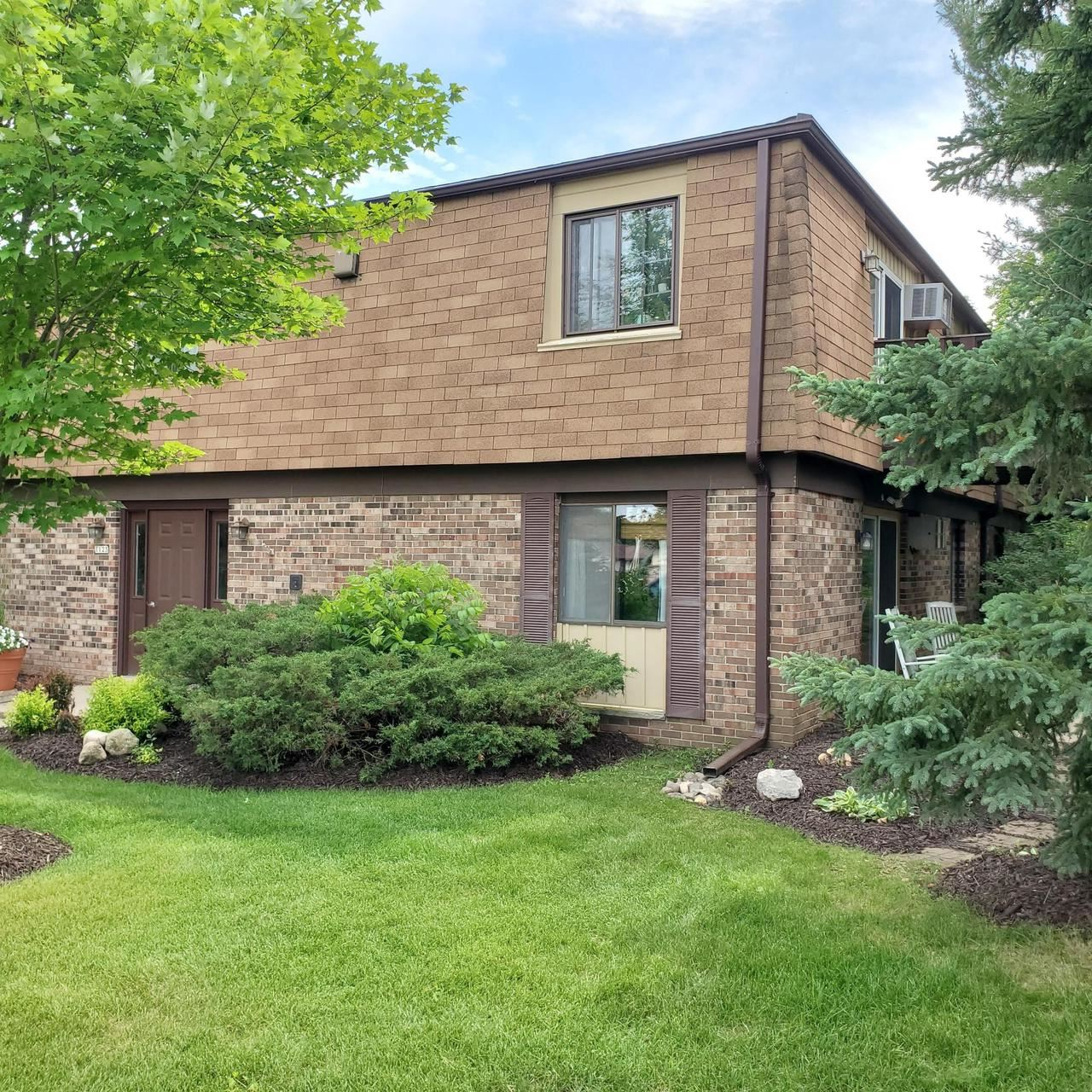 1123 Marcia AVE #105, West Bend, WI 53090 - MLS#: 1696025