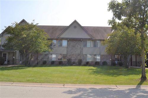 Photo of 211 W Oak Leaf Dr #5, Oak Creek, WI 53154 (MLS # 1711026)