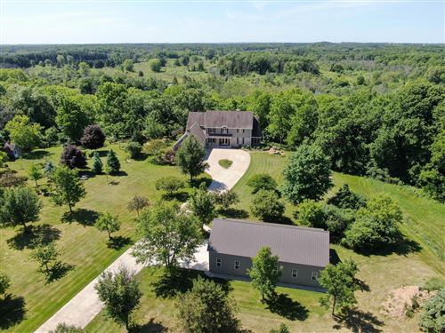Photo of S102W33095 County Road LO, Mukwonago, WI 53149 (MLS # 1694029)