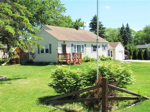 Photo of 1450 S 167th St, New Berlin, WI 53151 (MLS # 1696030)