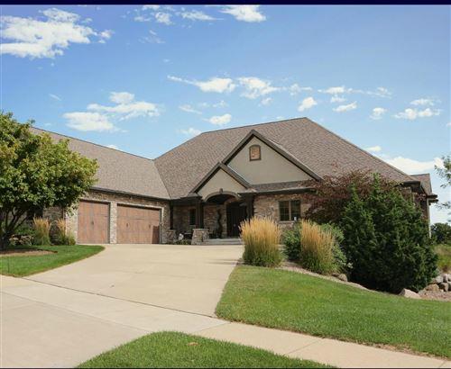 Photo of 726 Pinnacle Dr, Lake Mills, WI 53551 (MLS # 1666032)