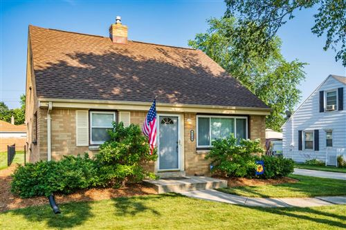 Photo of 4154 N 95th St, Wauwatosa, WI 53222 (MLS # 1750036)