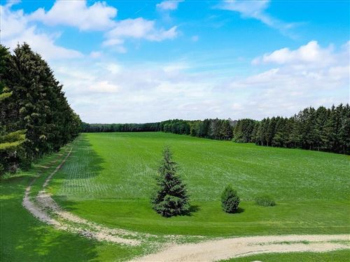 Photo of N463 Lincoln Rd #461/465, Ixonia, WI 53036 (MLS # 1749038)