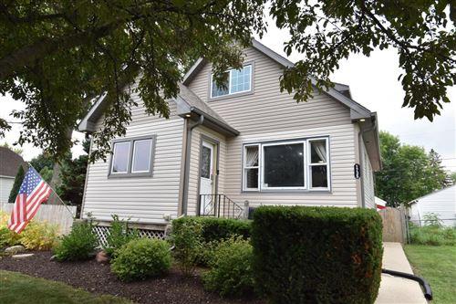 Photo of 1735 Missouri Ave, South Milwaukee, WI 53172 (MLS # 1754038)