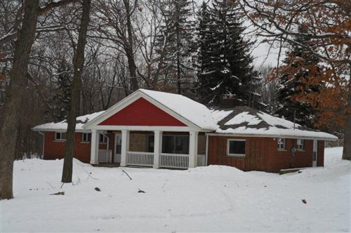 Photo of N79W24949 Plainview Rd, Sussex, WI 53089 (MLS # 1666039)