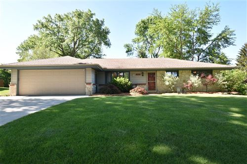 Photo of 3025 W Valanna Ct, Glendale, WI 53209 (MLS # 1694042)