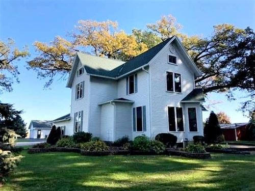 Photo of W5583 County Road S, Juneau, WI 53039 (MLS # 1667048)