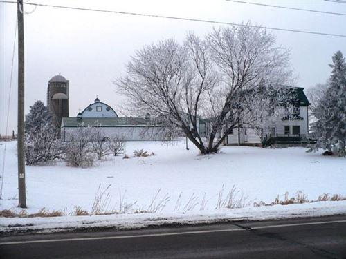 Photo of W5717 KINGTON ROAD, Greenwood, WI 54437 (MLS # 22100048)