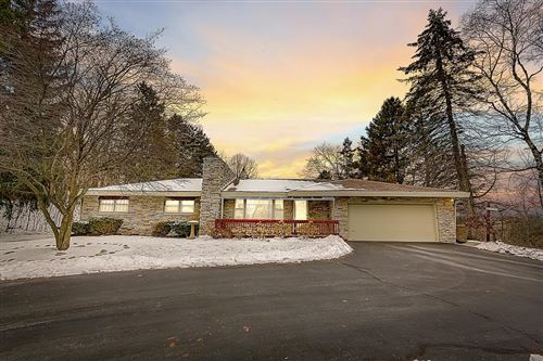 Photo of 2825 Lilly Rd, Brookfield, WI 53005 (MLS # 1673050)