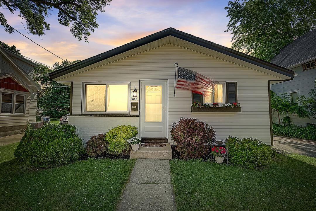 1813 Jefferson Ave, Waukesha, WI 53186 - MLS#: 1698051