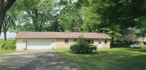 Photo of N4903 Spearhead Trl, Juneau, WI 53039 (MLS # 1580052)