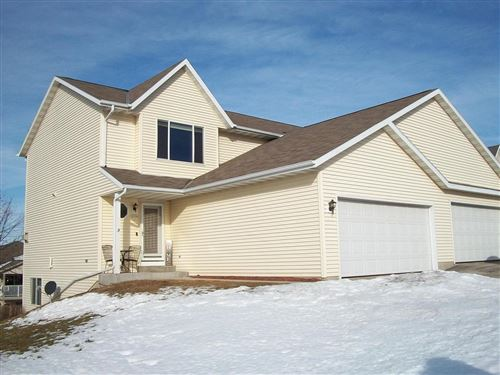 Photo of 1114 Autumn Dr, West Bend, WI 53090 (MLS # 1678052)