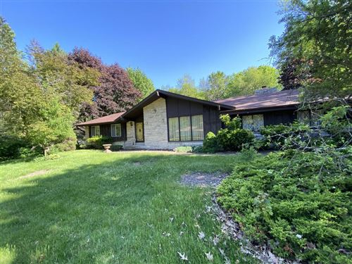 Photo of 4445 W Upham Ave, Greenfield, WI 53220 (MLS # 1710052)