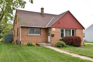 Photo of 2805 15th Ave, South Milwaukee, WI 53172 (MLS # 1641057)