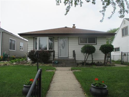 Photo of 4660 S 48th St, Greenfield, WI 53220 (MLS # 1696059)