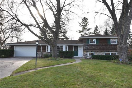 Photo of 2505 St Charles Ct, Brookfield, WI 53005 (MLS # 1720065)