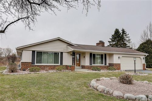 Photo of 10626 N Hollyhock Ct, Mequon, WI 53092 (MLS # 1683066)