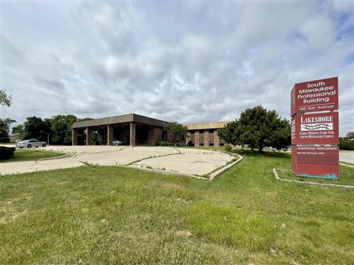 Photo of 100 S 15th Ave, South Milwaukee, WI 53172 (MLS # 1750066)