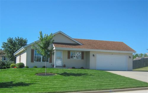 Photo of 221 Pioneer Dr, Johnson Creek, WI 53038 (MLS # 1731067)