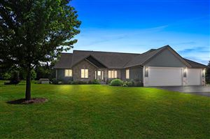 Photo of 6621 Canyon Ln, West Bend, WI 53090 (MLS # 1648069)