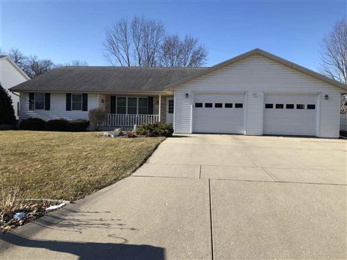 Photo of 1815 St George Ln, Janesville, WI 53545 (MLS # 1875069)
