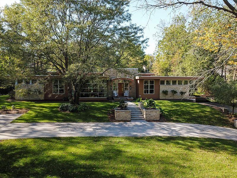 1255 Woodlawn Cir, Elm Grove, WI 53122 - MLS#: 1688071