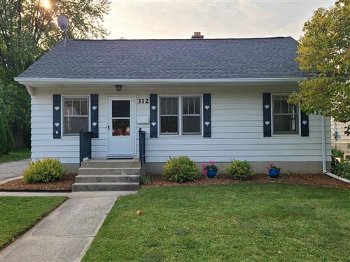 Photo of 312 S Silverbrook Dr, West Bend, WI 53095 (MLS # 1711073)