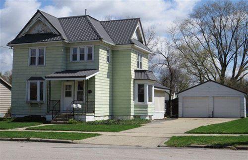 Photo of 513 N Montgomery St, Watertown, WI 53098 (MLS # 1735073)