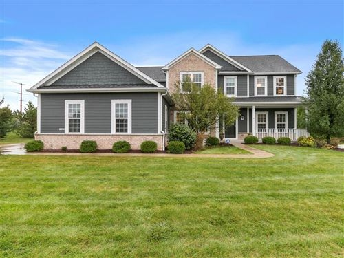 Photo of 11402 N Oakview Ct, Mequon, WI 53092 (MLS # 1714088)