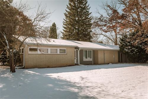 Photo of 17935 Country Ln, Brookfield, WI 53045 (MLS # 1665089)